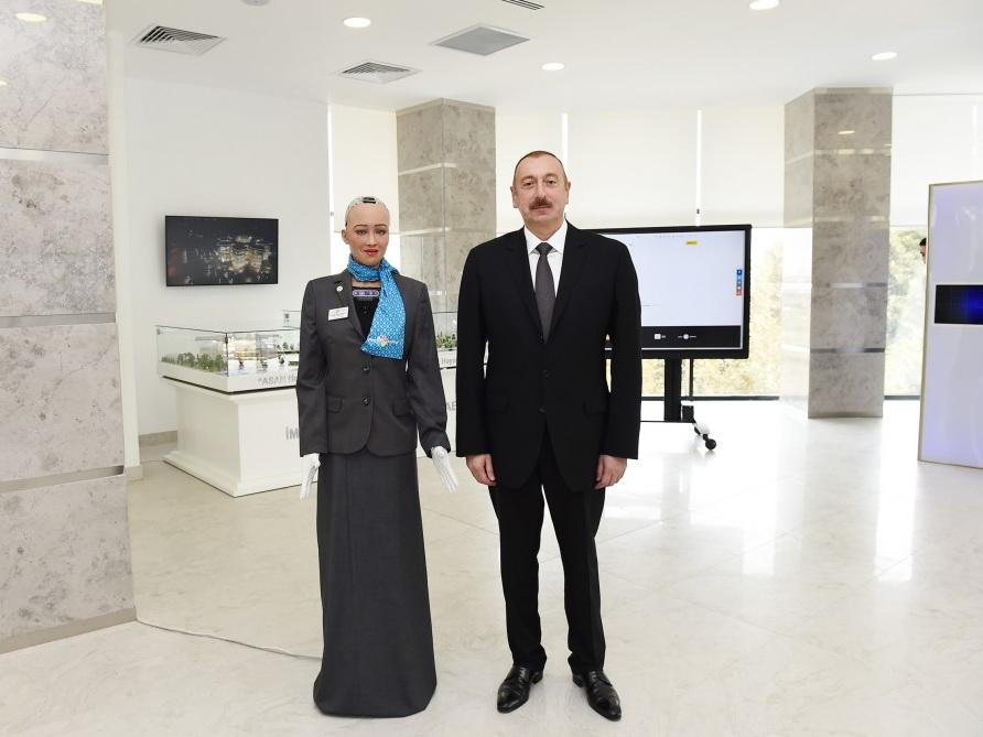 Легендарный робот София пообщалась с Президентом Ильхамом Алиевым - ФОТО – ВИДЕО