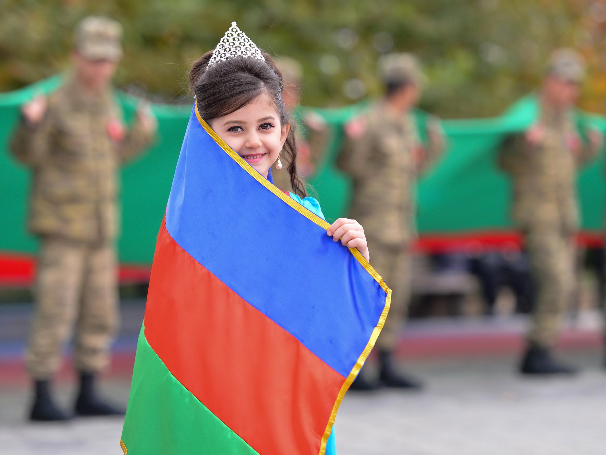 Как защитить азербайджанский язык от потока ненужных заимствований?