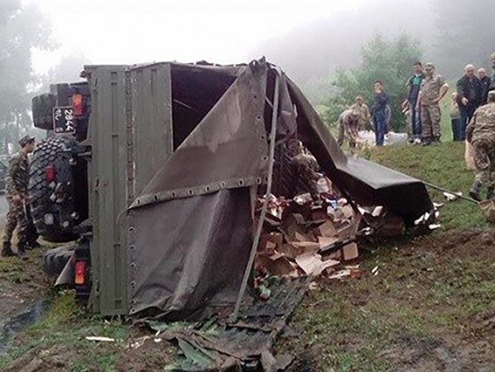 Перевернулся КамАЗ Минобороны Армении: Есть погибшие и раненые