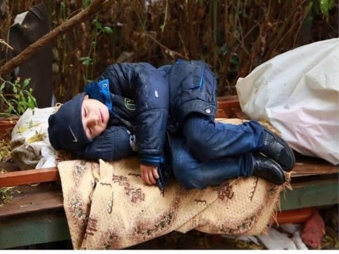 Ночевавший на улице в Баку ребенок помещен в приют - ОБНОВЛЕНО