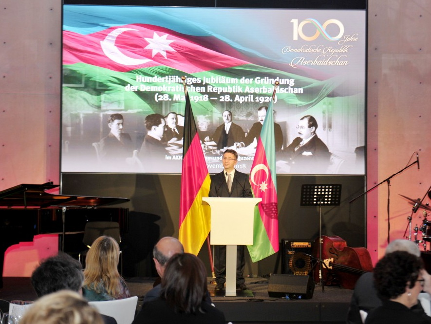 В Берлине состоялось мероприятие по случаю 100-летия Азербайджанской Демократической Республики, организованное Фондом Гейдара Алиева - ФОТО