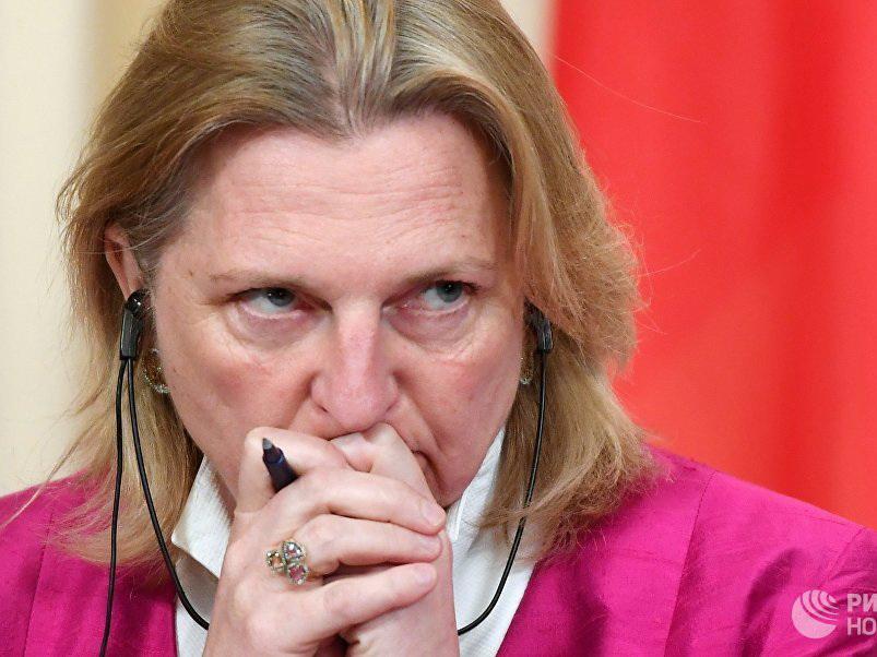 Глава МИД Австрии отменила поездку в Россию из-за «шпионского скандала»