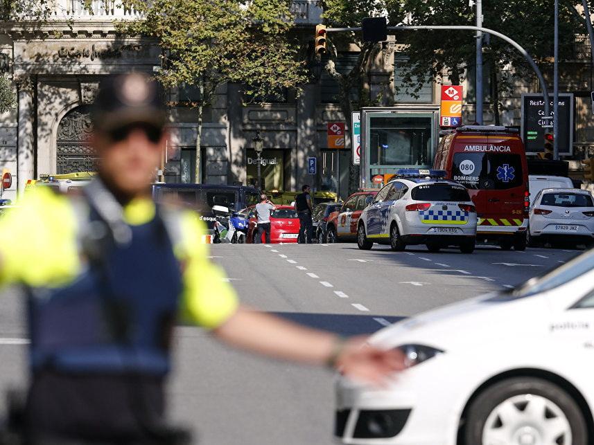 В Барселоне автомобиль наехал на пешеходов