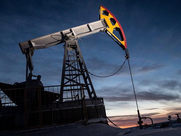 Цена на нефть марки Brent впервые с апреля опустилась ниже $70 за баррель