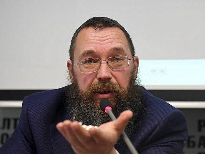 Большой друг армян Герман Стерлигов занялся попрошайничеством в соцсетях