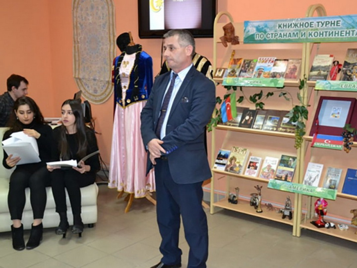 В Мурманске открылась выставка, посвященная Дню Конституции Азербайджана - ФОТО