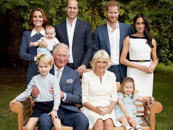 FamilyFirst: новые снимки королевской семьи, приуроченные к 70-летию принца Чарльза – ФОТО