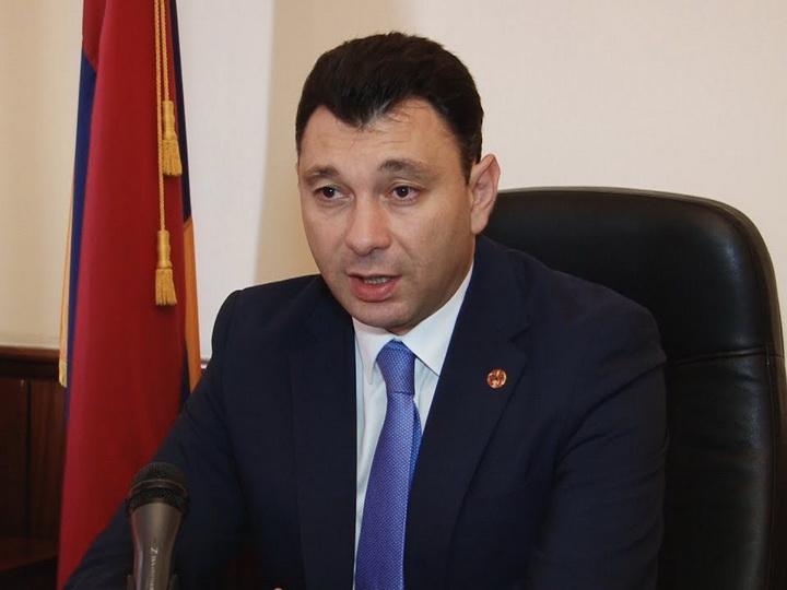 Ermənistanın vitse-spikeri: İnsanlar daha pis yaşamaq üçün  inqilab edib?