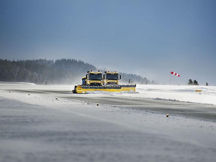В Канаде снегопад нарушил работу аэропортов