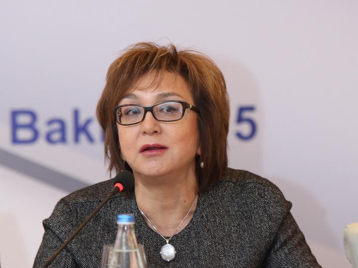 Малейка Аббасзаде: Никто не хочет претендовать на высокие должности