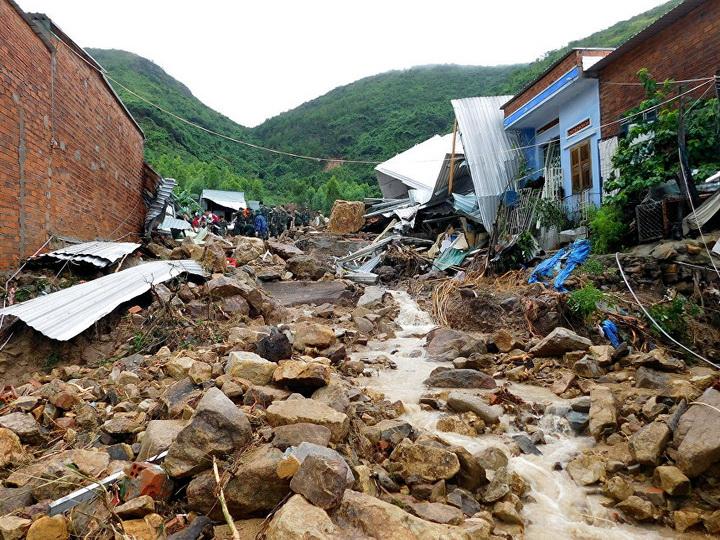 Во Вьетнаме не менее 12 человек погибли из-за тропического шторма