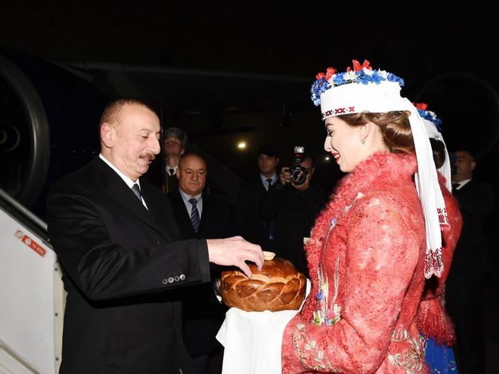 Президент Ильхам Алиев прибыл с официальным визитом в Беларусь - ФОТО