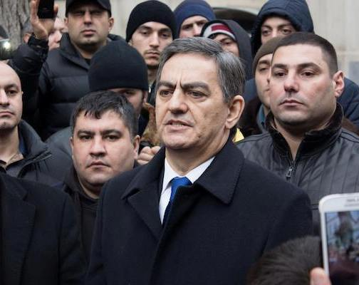 Əli Kərimlidən növbəti şou: yürüş, yoxsa qanunsuz aksiya?