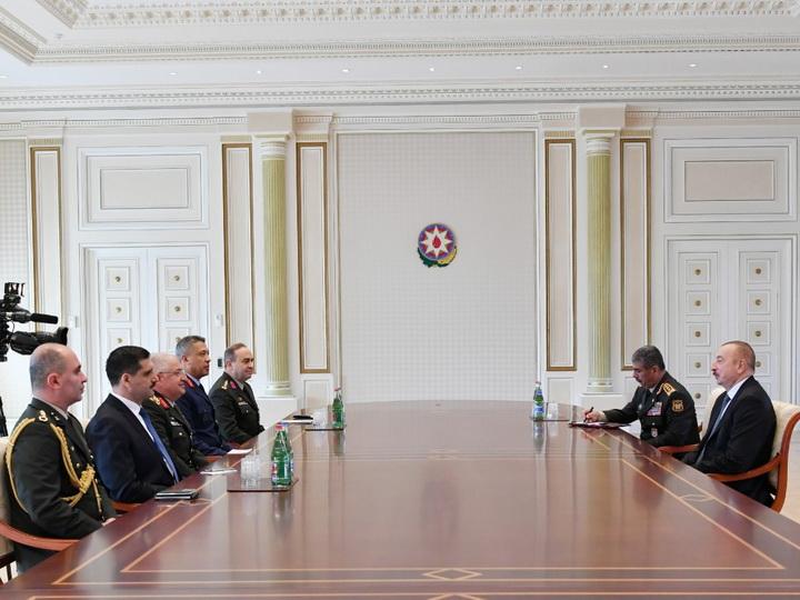 Президент Ильхам Алиев принял делегацию под руководством начальника Генерального штаба Вооруженных сил Турции