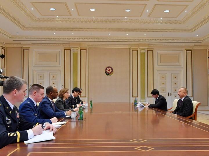 Президент Ильхам Алиев принял делегацию Министерства обороны США