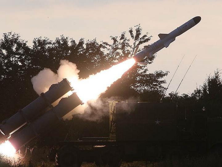 «Коммерсант» об отказе России поставить Азербайджану ракетный комплекс «Бал-Э»