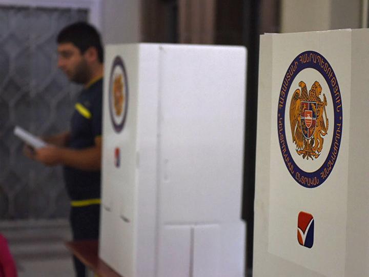 В Ереване мужчина не смог проголосовать, так как не знал ни одного кандидата в парламент