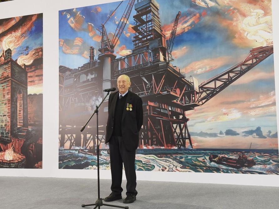 В Бакинском Экспо-центре открылась выставка, посвященная 90-летнему юбилею всемирно известного художника Таира Салахова - ФОТО