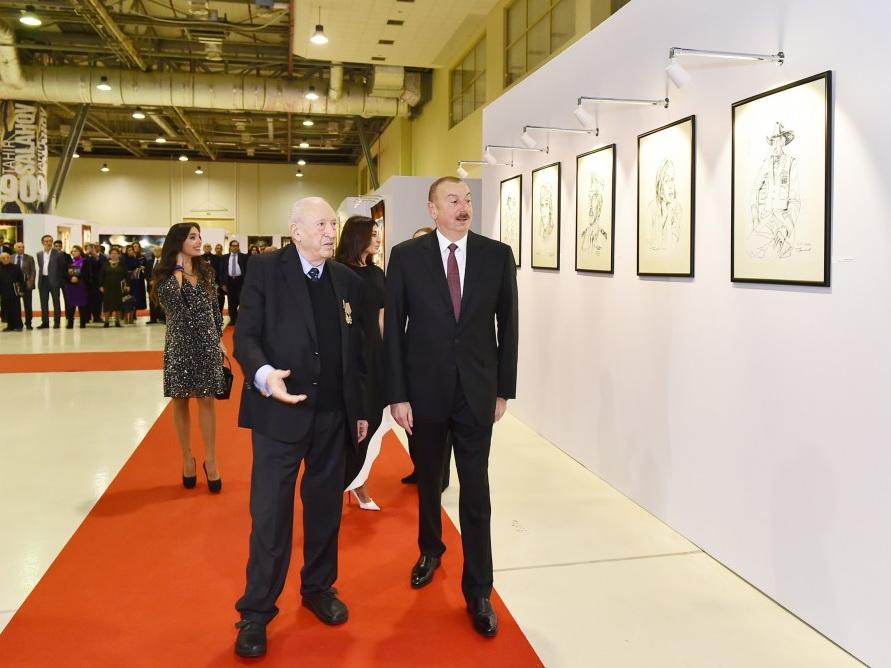 Президент Ильхам Алиев ознакомился с выставкой, посвященной 90-летнему юбилею народного художника Таира Салахова - ФОТО