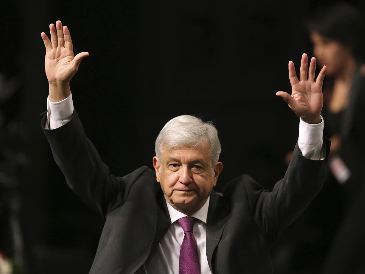 Президент Мексики вернет в бюджет часть своей зарплаты