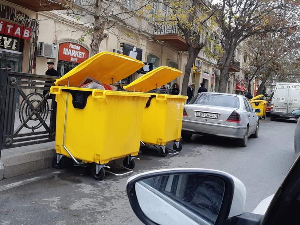 Современные мусорные баки: Новое слово в чистоте Баку – ФОТО