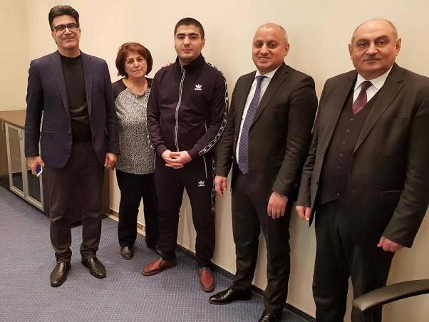Представители Красного креста и правозащитники встретились с Мехманом Гусейновым – ФОТО