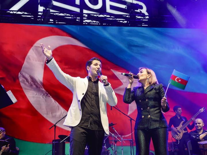 Азербайджанские звезды выступили с концертом в Дубае