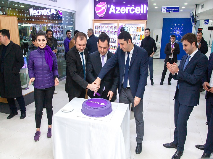 Azercell-in yeni konseptli xidmət mərkəzi indi Bakı Beynəlxalq Avtovağzalında – FOTO