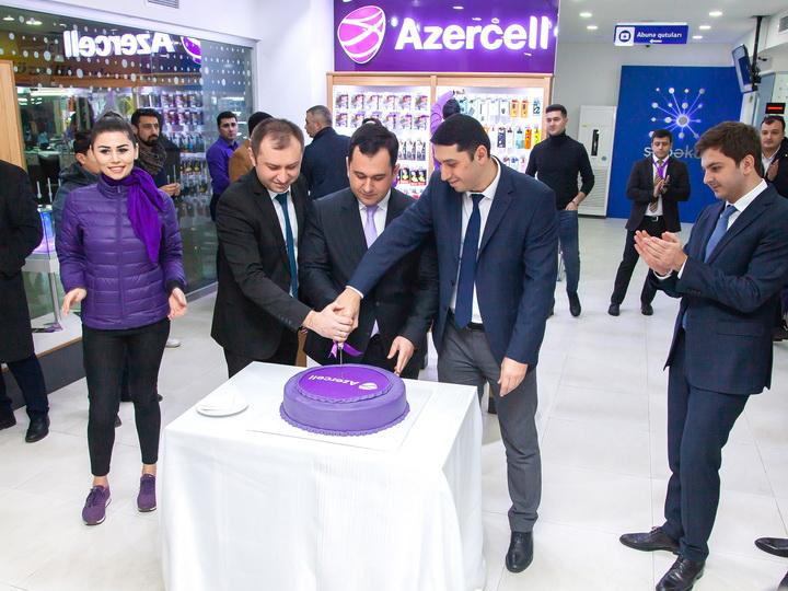 Центр обслуживания Azercell с новой концепцией теперь на Бакинском международном автовокзале
