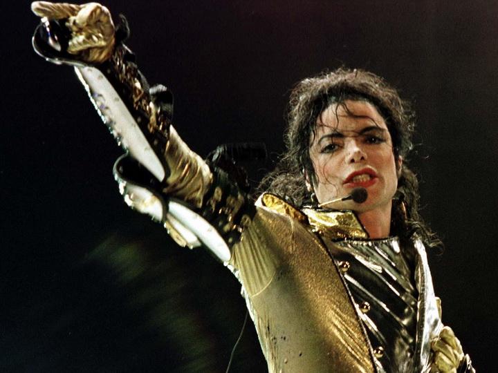 Майкла Джексона снова обвинили в изнасиловании