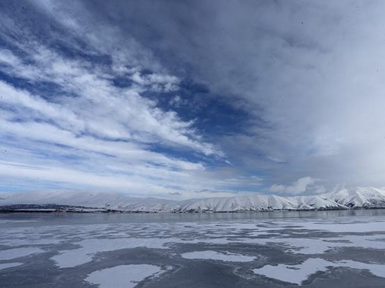 Армянская газета сигнализирует об экологической катастрофе на озере Севан