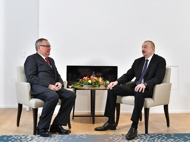 """İlham Əliyevin """"VTB-Bank""""ın prezidenti ilə görüşü olub"""