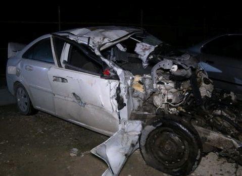 Bakıda dəhşətli qəza: maşın ikiyə bölündü, sürücü öldü - VİDEO