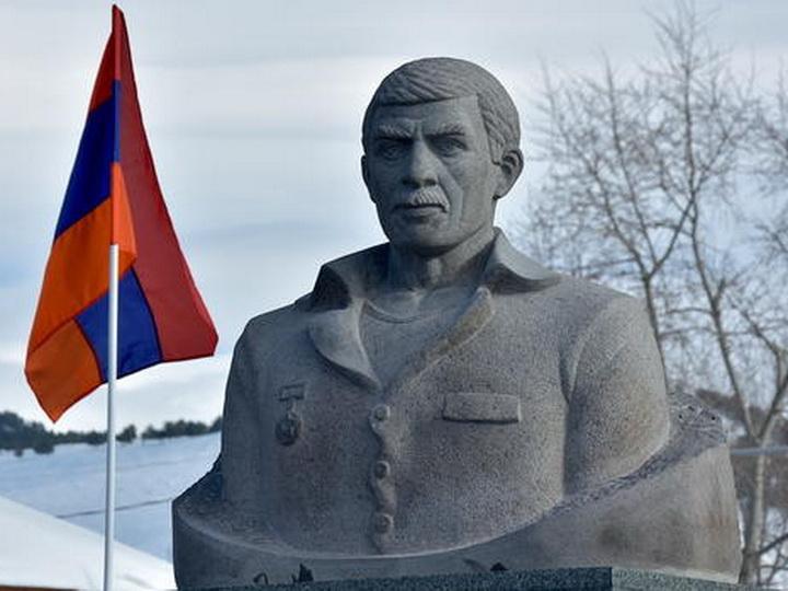 Азербайджанцы в Грузии проведут массовую акцию с требованием снести памятник армянскому террористу