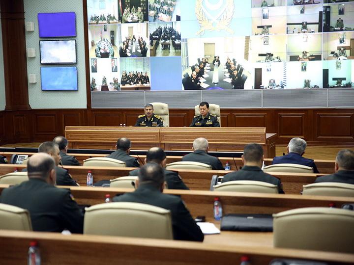 Министр дал поручения повысить уровень боеготовности военнослужащих и улучшить социально-бытовые условии для них