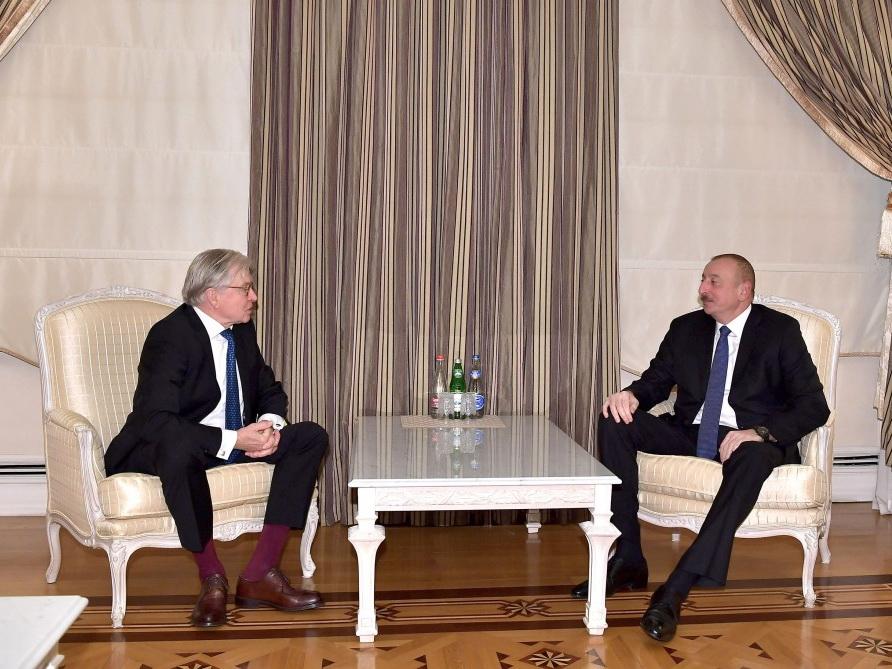Президент Ильхам Алиев принял председателя группы дружбы Нидерланды-Азербайджан