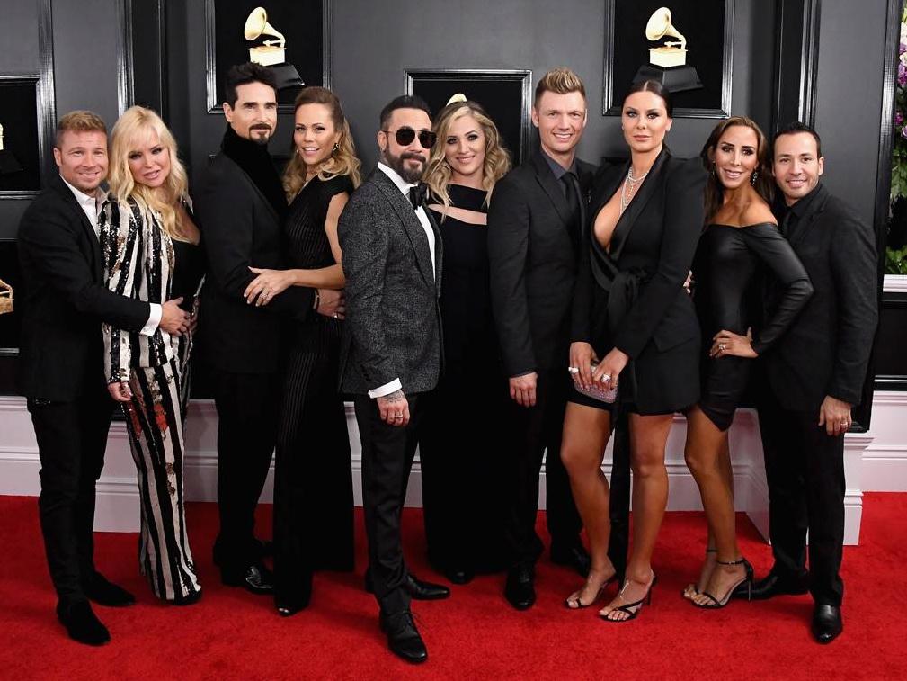 Участники группы «Back Street Boys» с женами и другие звезды на красной дорожке «Грэмми 2019» - ФОТО