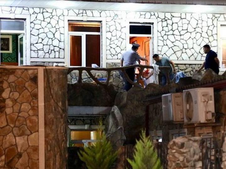 «Они были обнаженные и в крови»: В Баку женщина расправилась с молодым любовником, лишившим ее девственности, но отказавшим в свадьбе - ФОТО