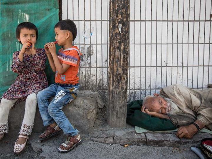 Наряду с уйгурами в воспитательных лагерях Китая исчезают казахи