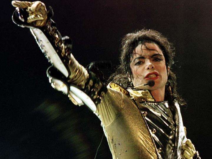 Жертвы педофилии требуют эксгумации тела Майкла Джексона