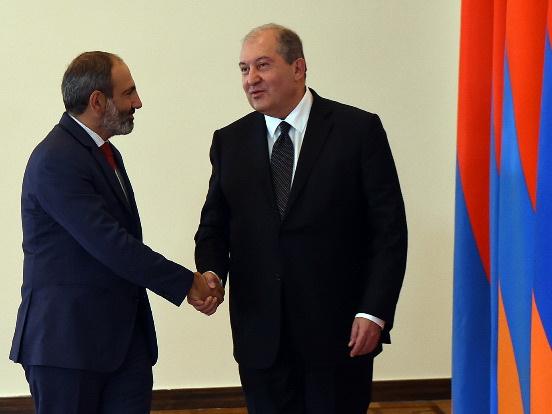 Активность президента Армении на международной арене вызывает подозрения - СМИ