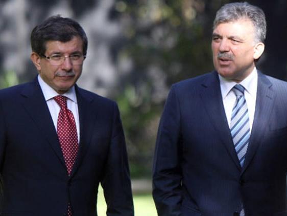 Абдулла Гюль и Ахмет Давутоглу создают новую партию?