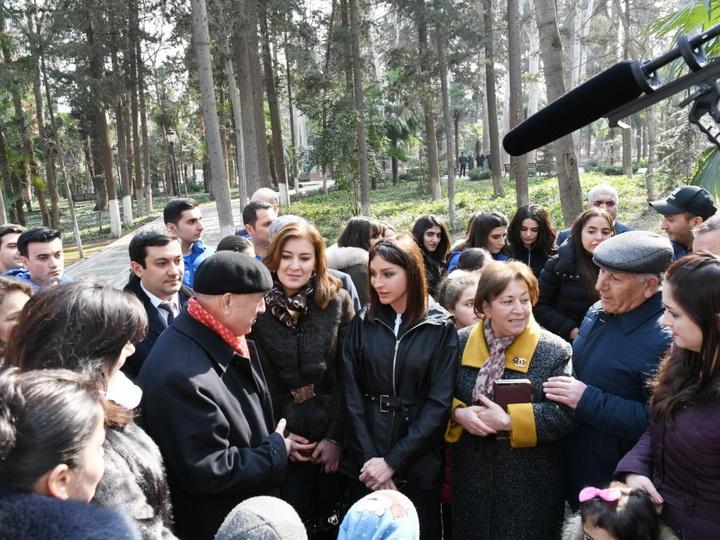 Первый вице-президент Мехрибан Алиева встретилась с жителями в «Хан багы» в Гяндже - ФОТО