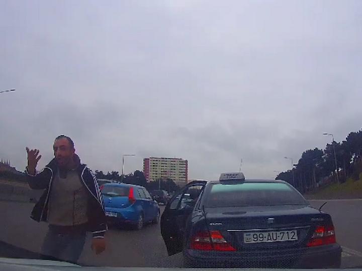 В Баку за «подрезку» оштрафован и лишен прав наглый таксист – ФОТО – ВИДЕО