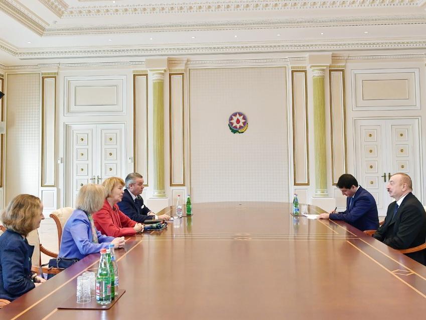 Президент Ильхам Алиев принял торгового посланника премьер-министра Великобритании по Азербайджану