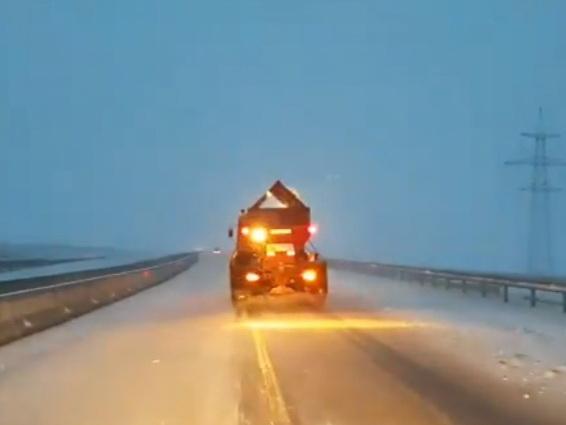Автомобильные дороги в Азербайджане очищены от снега и льда - ВИДЕО