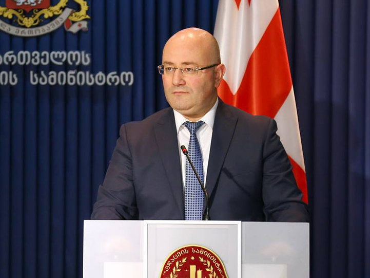 Министр обороны Грузии едет в Ереван