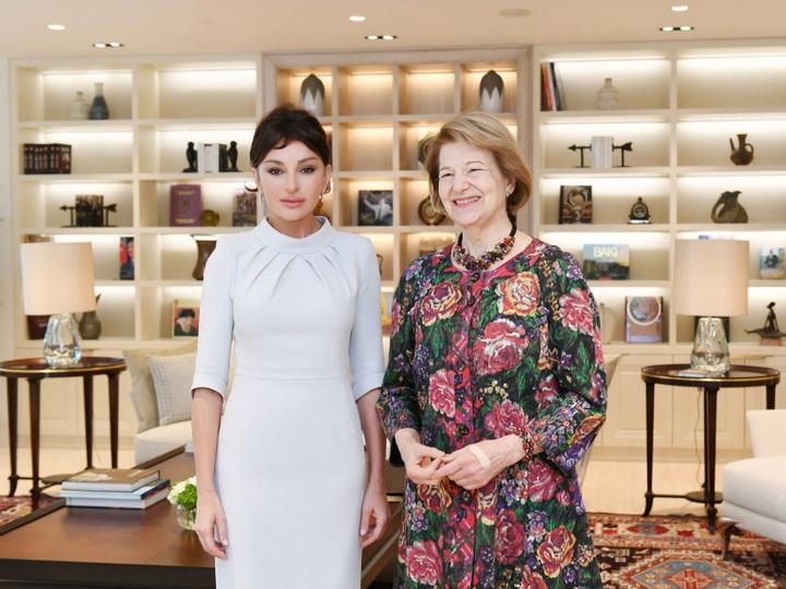 Первый вице-президент Мехрибан Алиева встретилась с торговым посланником премьер-министра Великобритании по Азербайджану - ФОТО