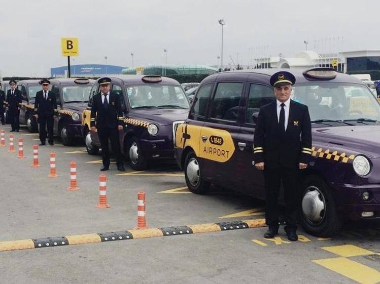 В Бакинском аэропорту начала работу единая служба такси - ВИДЕО