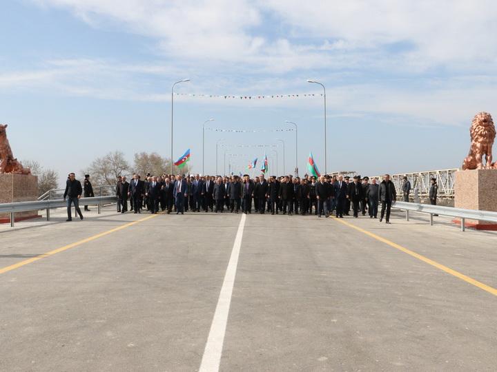 В Азербайджане открыт для движения новый мост через Куру - ФОТО